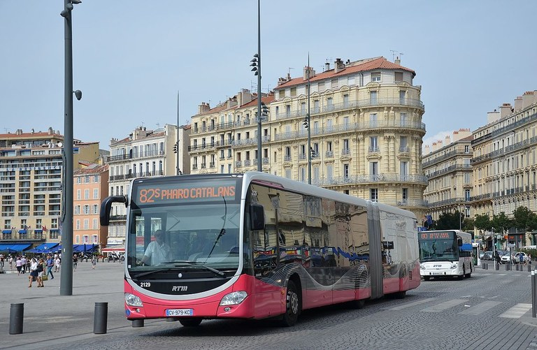 Mercedes_Citaro_G_C2_n°2129_RTM_Métro_Vieux_Port.jpg